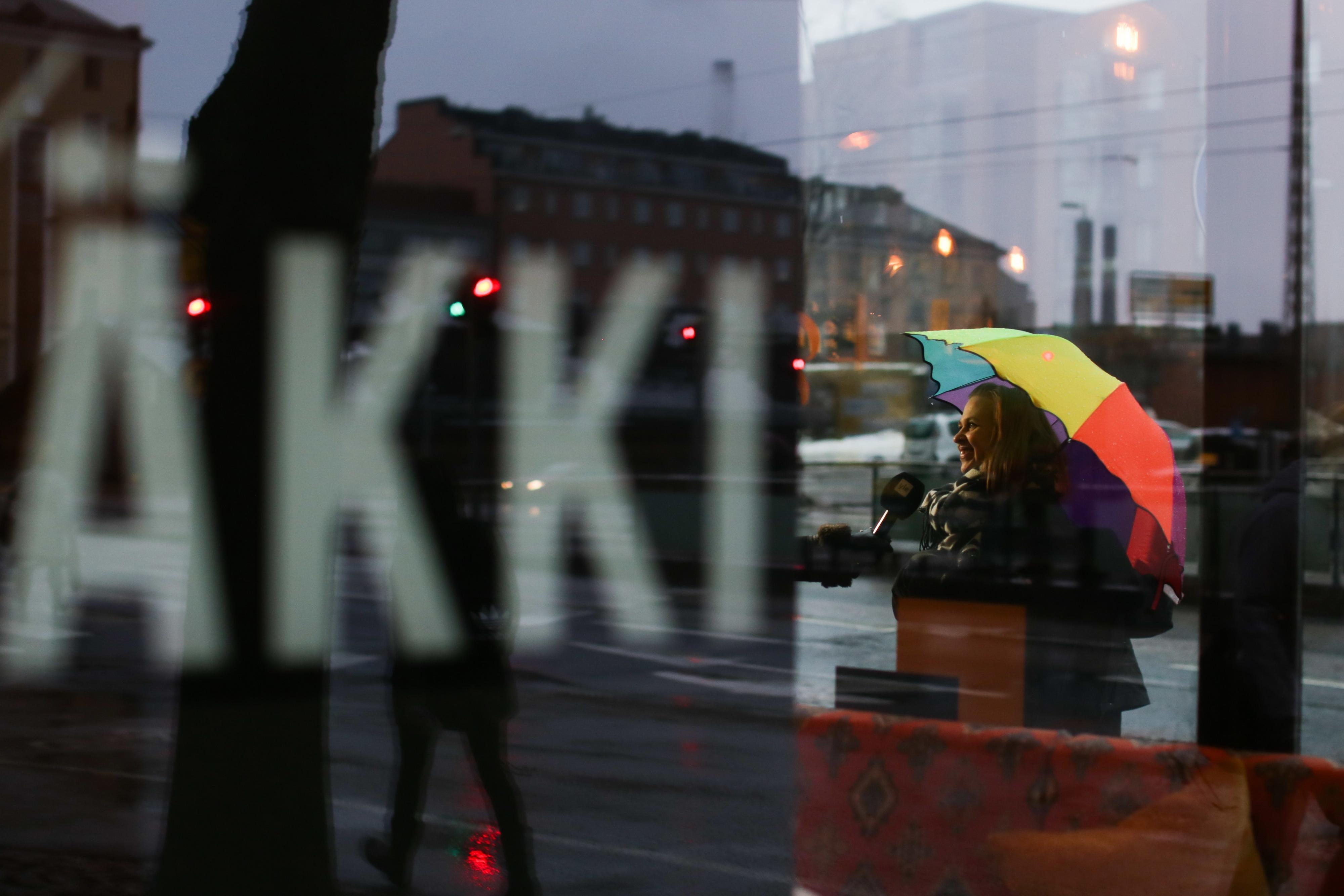 Gay/LGBTQ friendly Music Theatre Kapsäkki in Helsinki Finland, sateenkaariystävällinen Suomi yhteisön jäsen