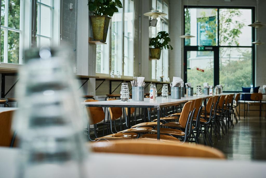 Gay/LGBTQ friendly restaurant Bruukki in Turku Finland, sateenkaariystävällinen Suomi yhteisön jäsen