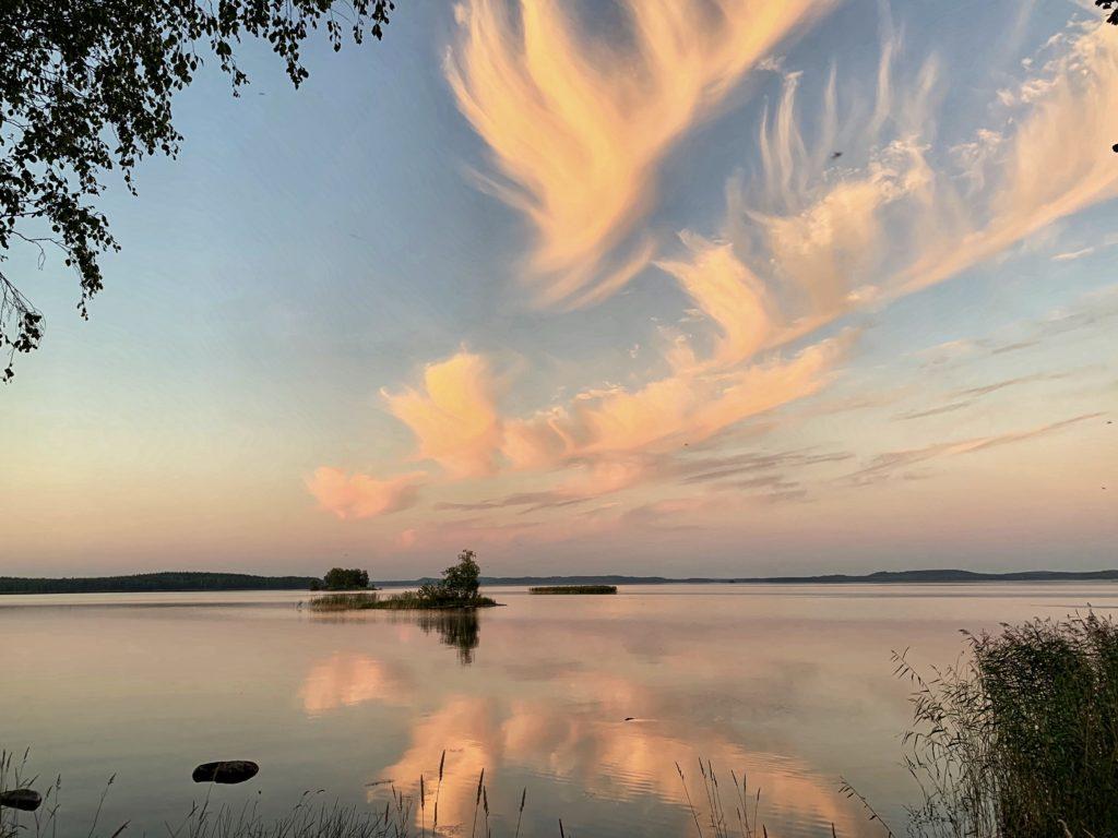 Gay/LGBTQ friendly summer oasis Paksuniemi in Rääkkylä Finland, sateenkaariystävällinen Suomi yhteisön jäsen