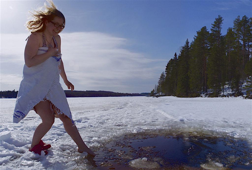 Gay/LGBTQ friendly holiday village Lentiira in Kainuu Finland, sateenkaariystävällinen Suomi yhteisön jäsen