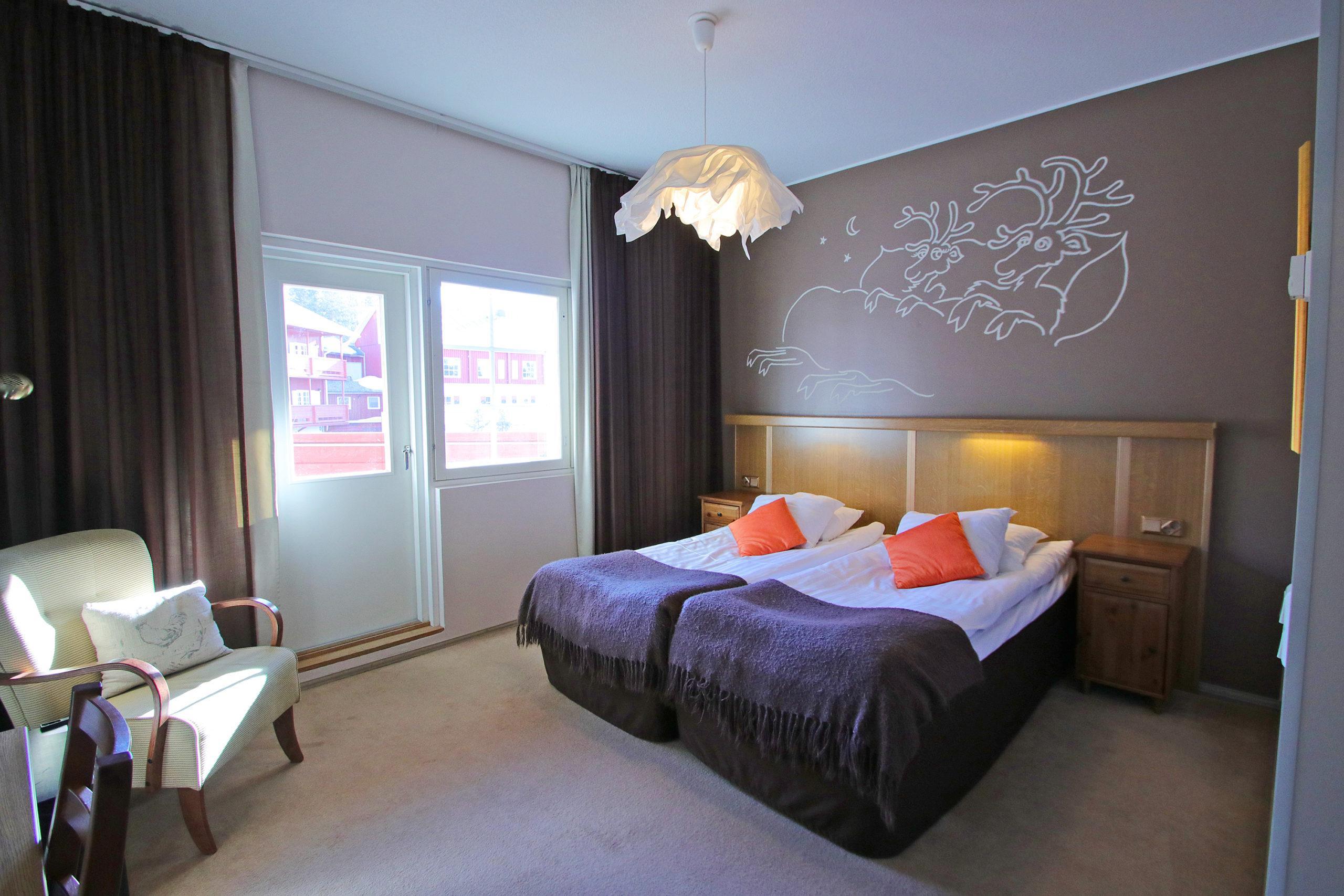Gay/LGBTQ friendly Hotel Hullu Poro in Levi Finland, sateenkaariystävällinen Suomi yhteisön jäsen